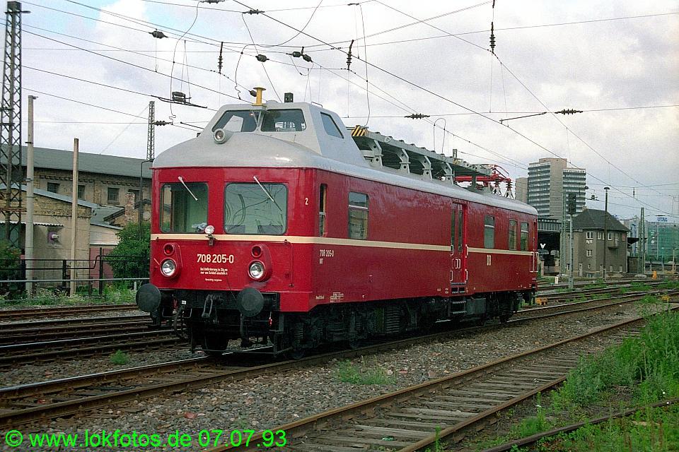 http://www.lokfotos.de/fotos/1993/0707/18503.jpg