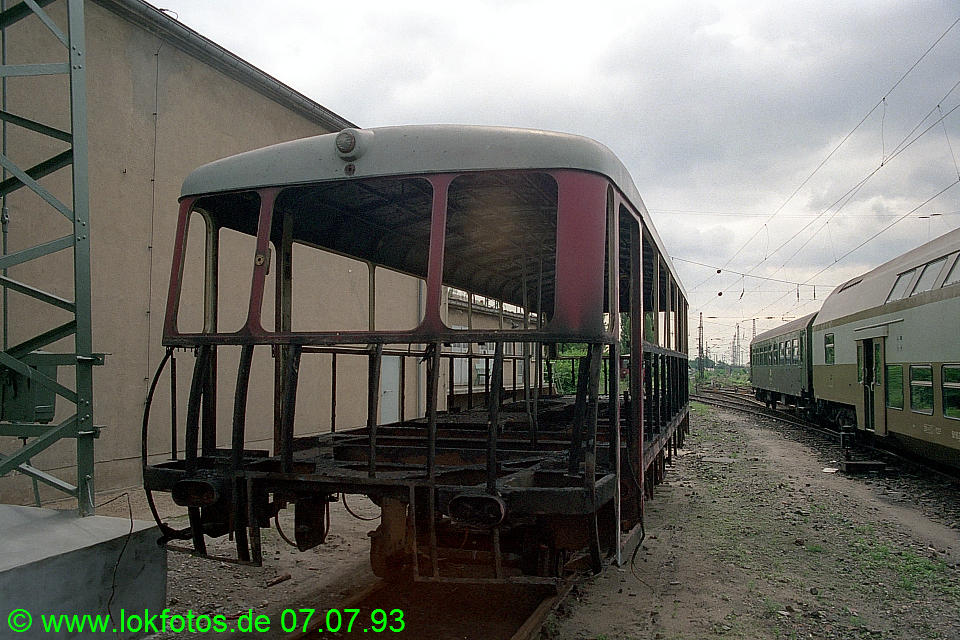 http://www.lokfotos.de/fotos/1993/0707/18526.jpg