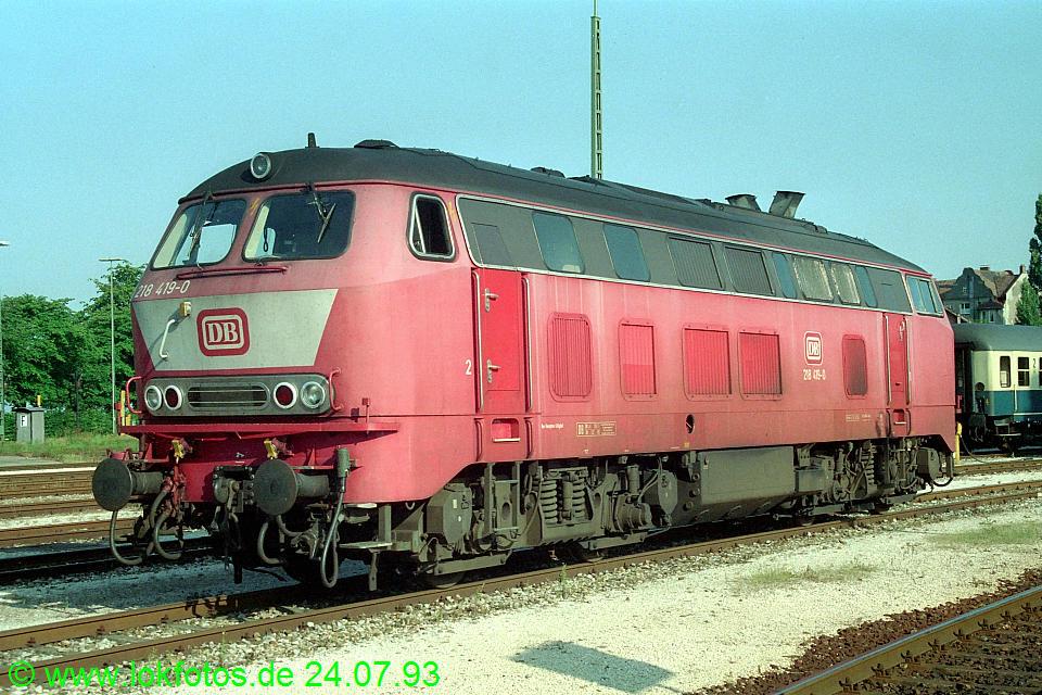 http://www.lokfotos.de/fotos/1993/0724/18679.jpg