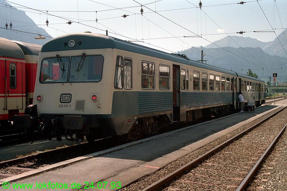 http://www.lokfotos.de/fotos/1993/0724/18680.jpg