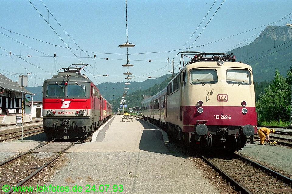 http://www.lokfotos.de/fotos/1993/0724/18685.jpg