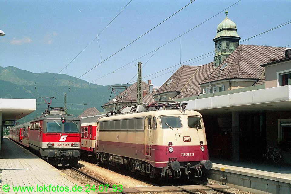 http://www.lokfotos.de/fotos/1993/0724/18687.jpg