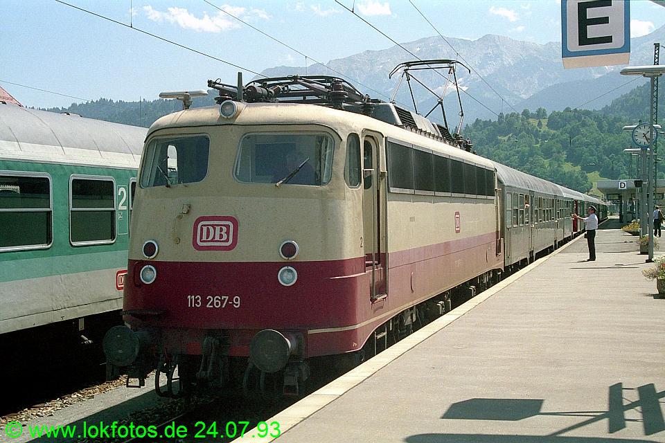 http://www.lokfotos.de/fotos/1993/0724/18688.jpg