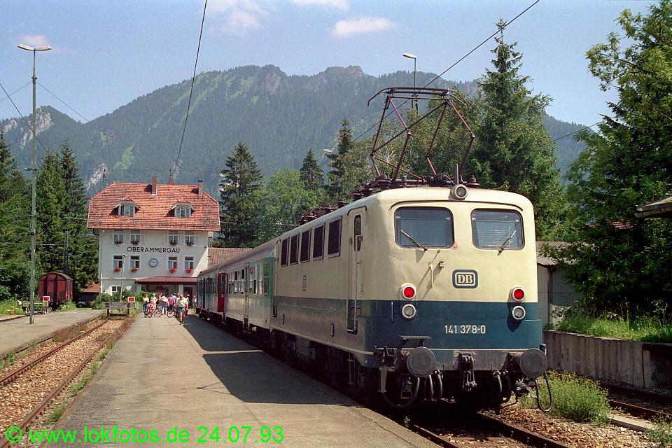 http://www.lokfotos.de/fotos/1993/0724/18689.jpg