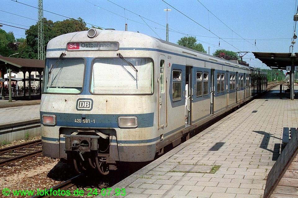 http://www.lokfotos.de/fotos/1993/0724/18690.jpg