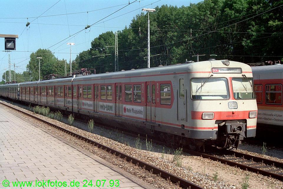 http://www.lokfotos.de/fotos/1993/0724/18693.jpg