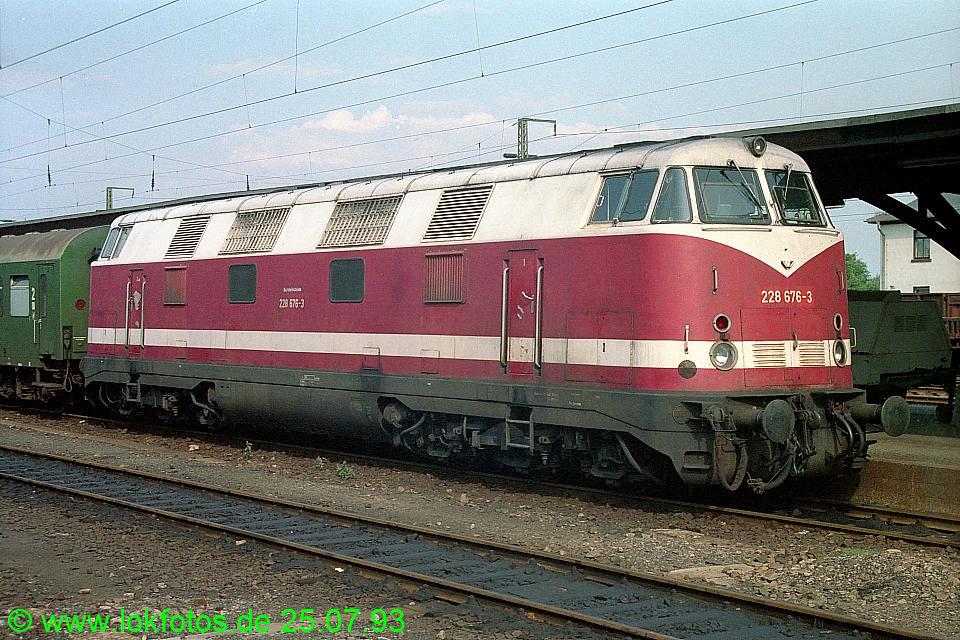 http://www.lokfotos.de/fotos/1993/0725/18700.jpg