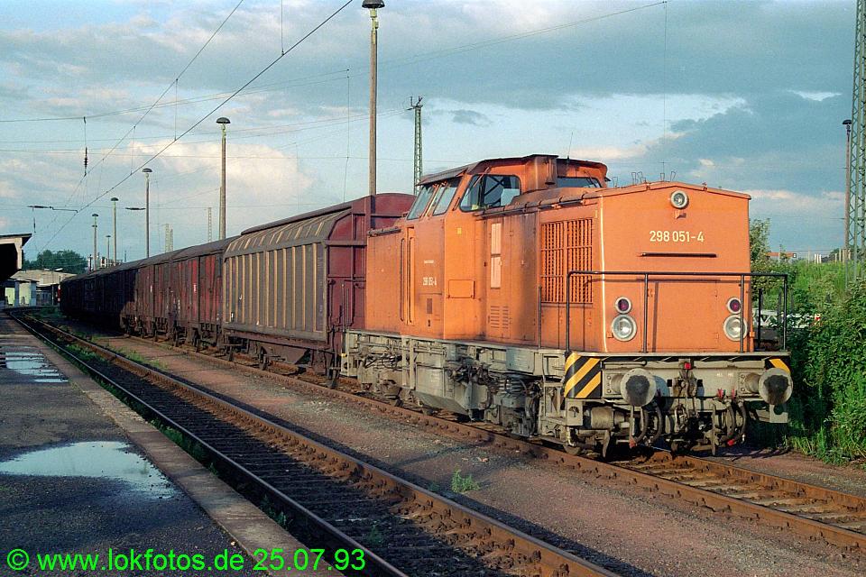 http://www.lokfotos.de/fotos/1993/0725/18775.jpg