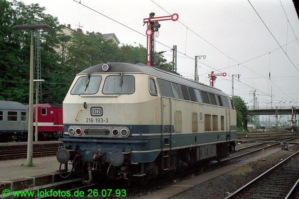 http://www.lokfotos.de/fotos/1993/0726/18779.jpg