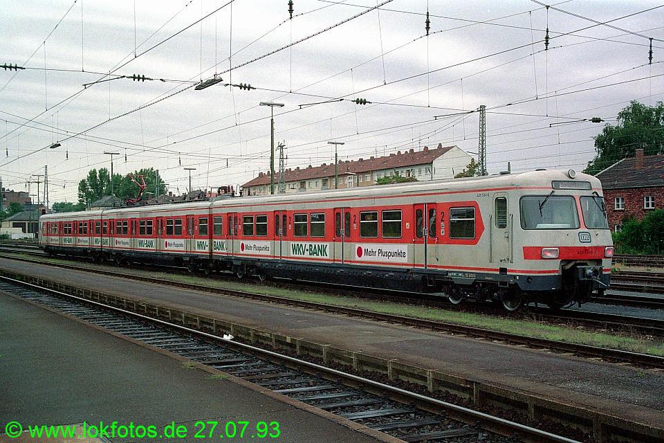 http://www.lokfotos.de/fotos/1993/0727/18784.jpg