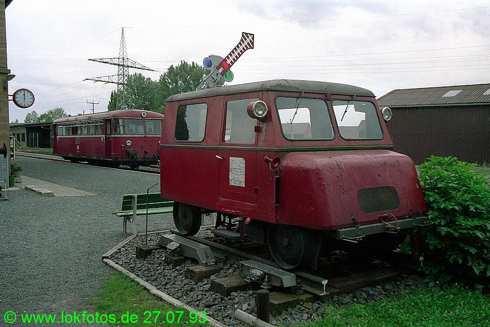 http://www.lokfotos.de/fotos/1993/0727/18801.jpg