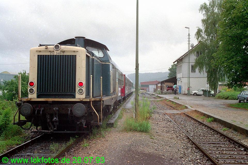 http://www.lokfotos.de/fotos/1993/0728/18806.jpg