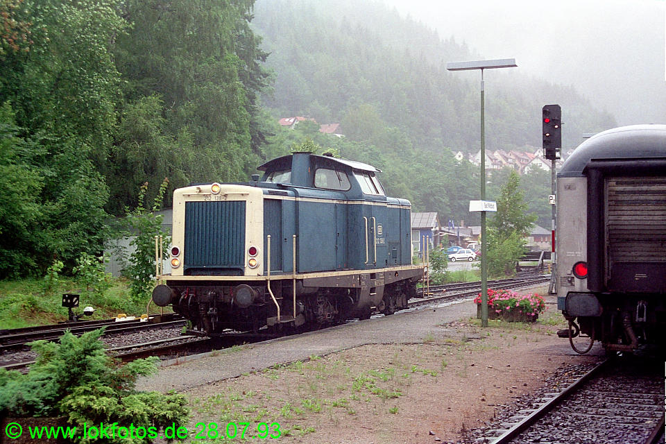 http://www.lokfotos.de/fotos/1993/0728/18808.jpg