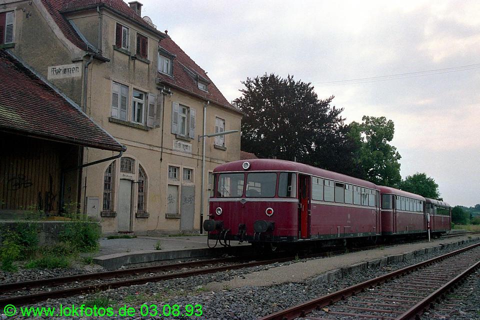 http://www.lokfotos.de/fotos/1993/0803/18904.jpg