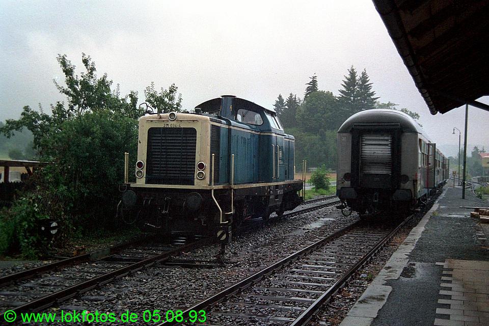 http://www.lokfotos.de/fotos/1993/0805/18925.jpg