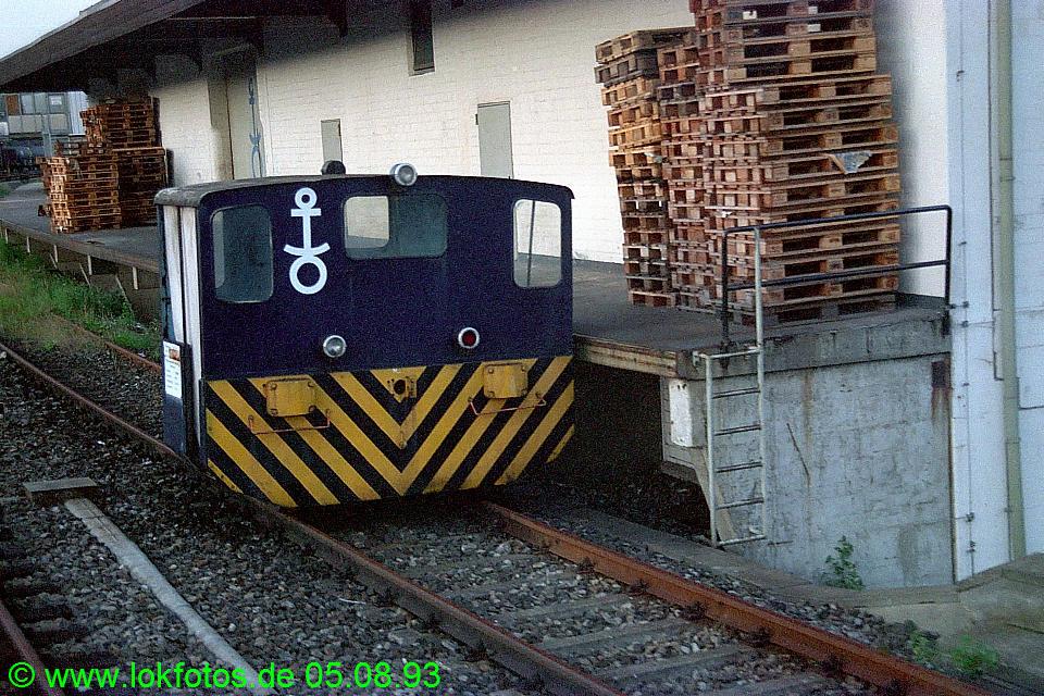 http://www.lokfotos.de/fotos/1993/0805/18937.jpg