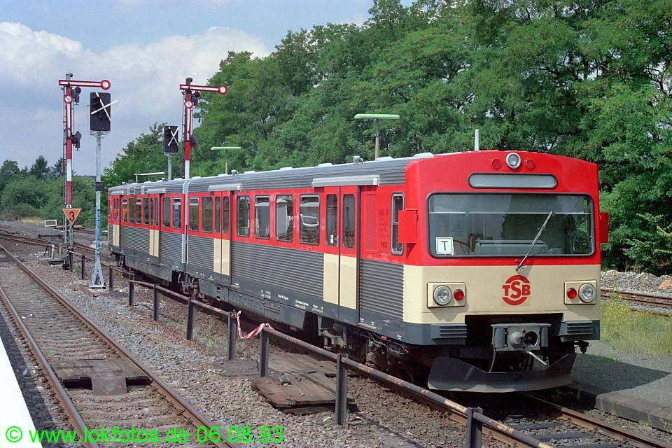 http://www.lokfotos.de/fotos/1993/0806/18949.jpg