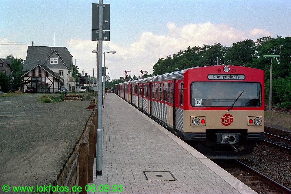 http://www.lokfotos.de/fotos/1993/0806/18950.jpg