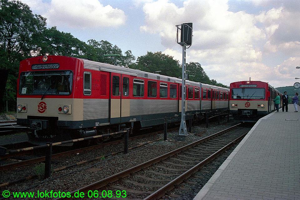 http://www.lokfotos.de/fotos/1993/0806/18952.jpg