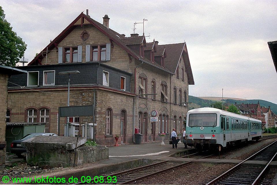 http://www.lokfotos.de/fotos/1993/0809/19078.jpg