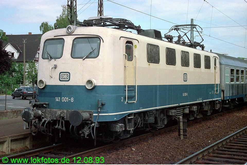 http://www.lokfotos.de/fotos/1993/0812/19221.jpg