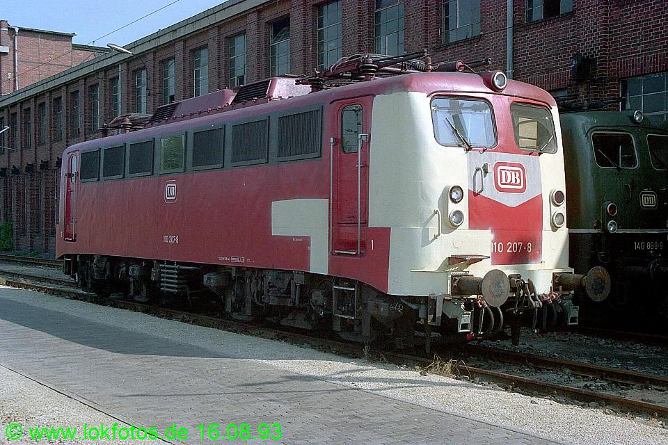 http://www.lokfotos.de/fotos/1993/0816/19287.jpg