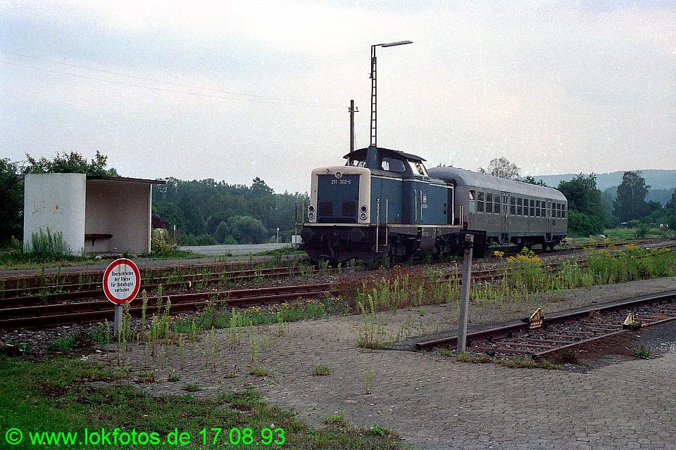http://www.lokfotos.de/fotos/1993/0817/19356.jpg