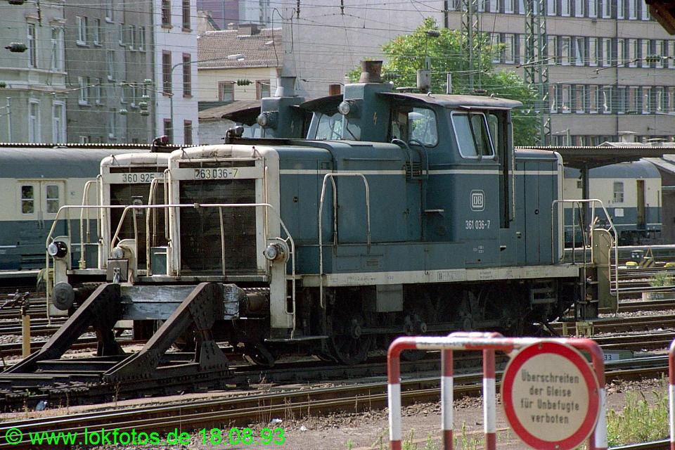 http://www.lokfotos.de/fotos/1993/0818/19370.jpg