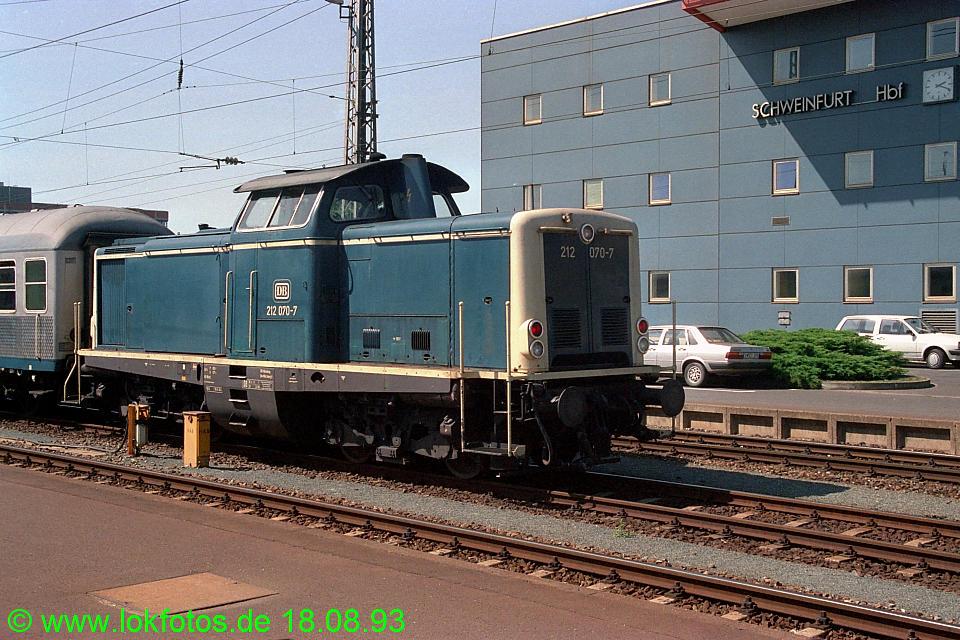http://www.lokfotos.de/fotos/1993/0818/19379.jpg