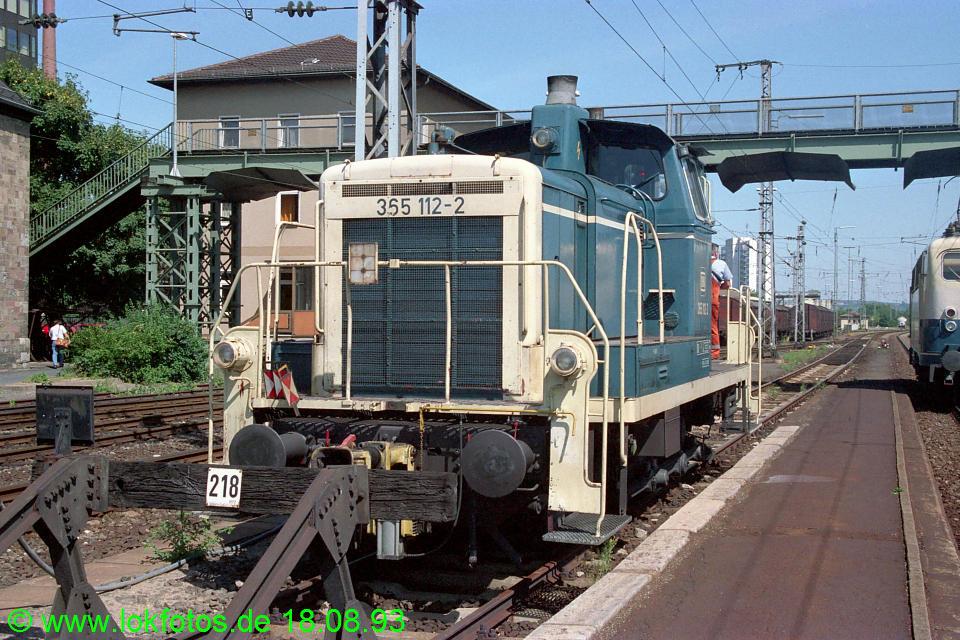 http://www.lokfotos.de/fotos/1993/0818/19380.jpg