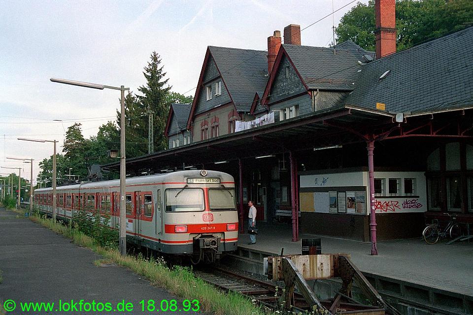 http://www.lokfotos.de/fotos/1993/0818/19395.jpg
