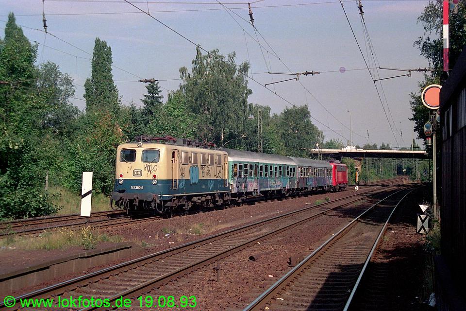 http://www.lokfotos.de/fotos/1993/0819/19402.jpg