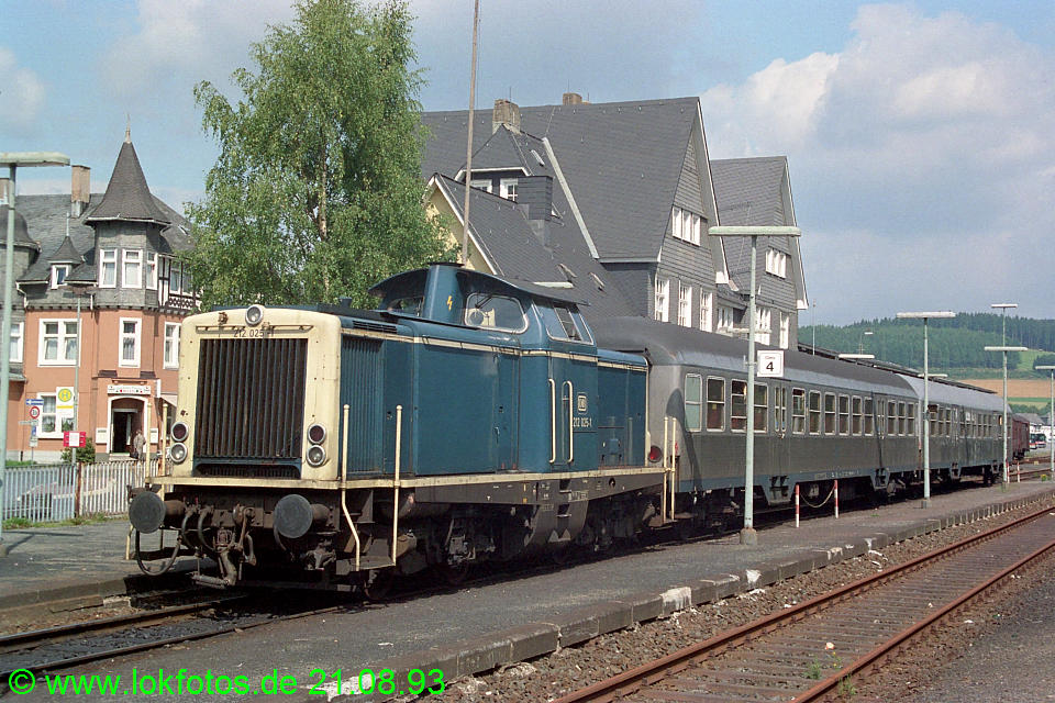 http://www.lokfotos.de/fotos/1993/0821/19450.jpg