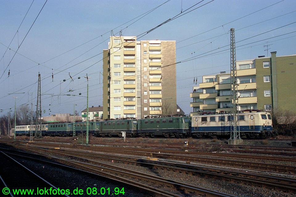 http://www.lokfotos.de/fotos/1994/0108/19843.jpg