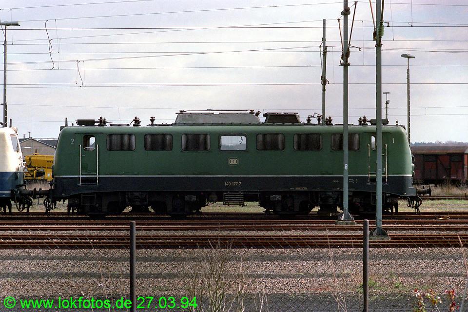 http://www.lokfotos.de/fotos/1994/0327/19953.jpg