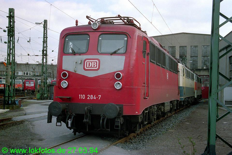 http://www.lokfotos.de/fotos/1994/0327/19958.jpg