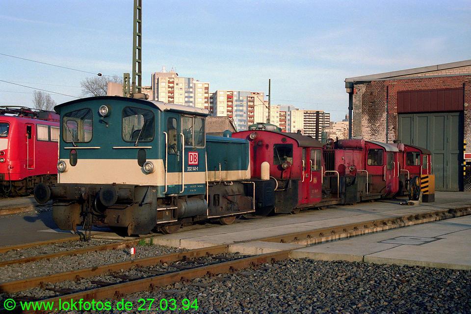 http://www.lokfotos.de/fotos/1994/0327/20030.jpg