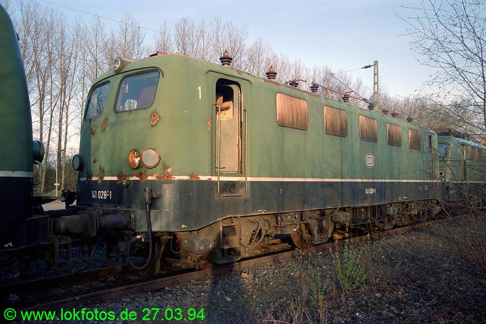 http://www.lokfotos.de/fotos/1994/0327/20041.jpg