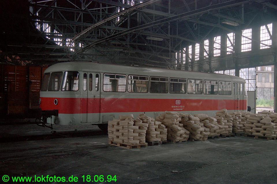 http://www.lokfotos.de/fotos/1994/0618/20211.jpg