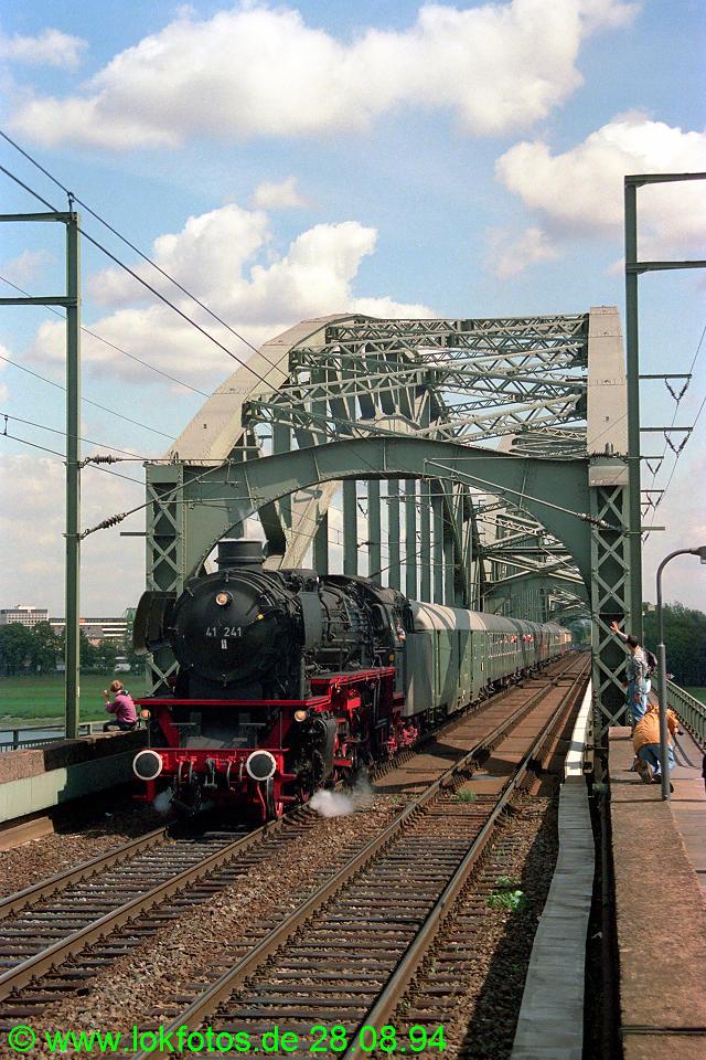 http://www.lokfotos.de/fotos/1994/0828/20390.jpg