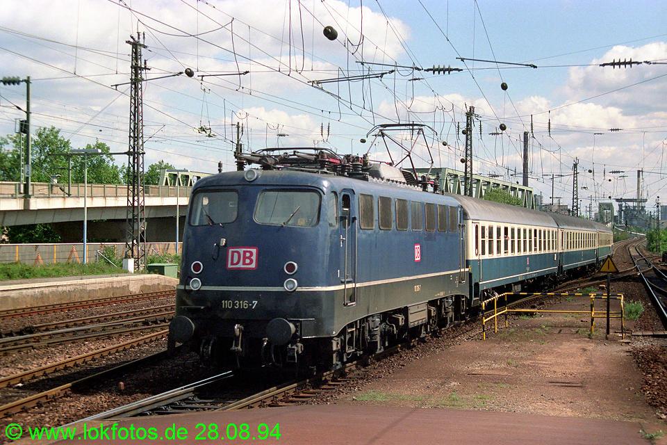 http://www.lokfotos.de/fotos/1994/0828/20391.jpg