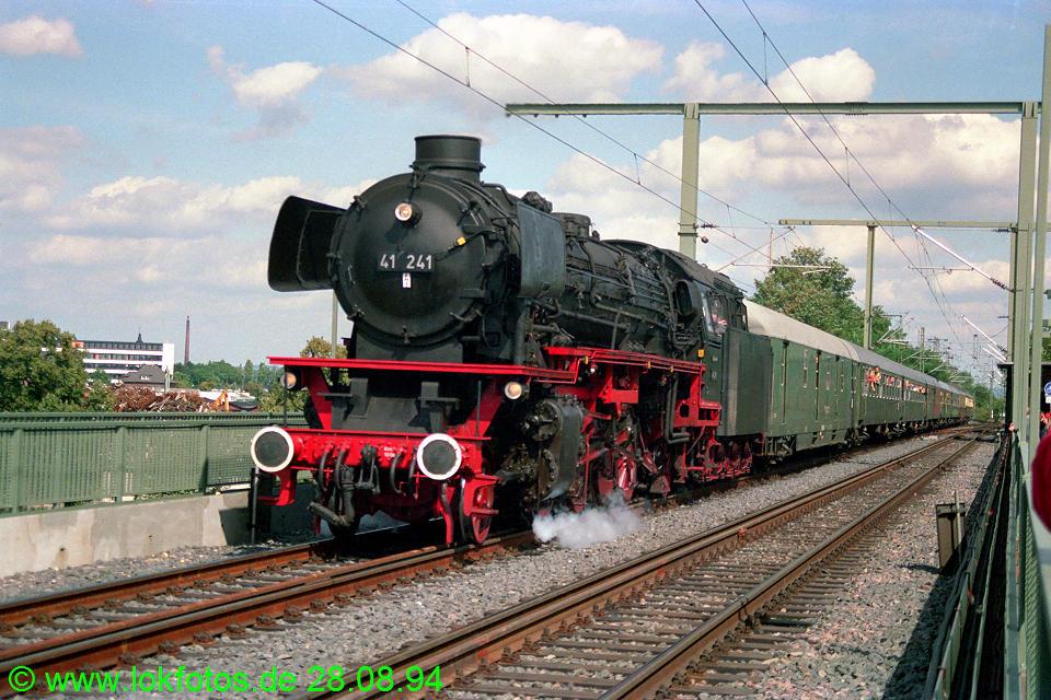 http://www.lokfotos.de/fotos/1994/0828/20396.jpg