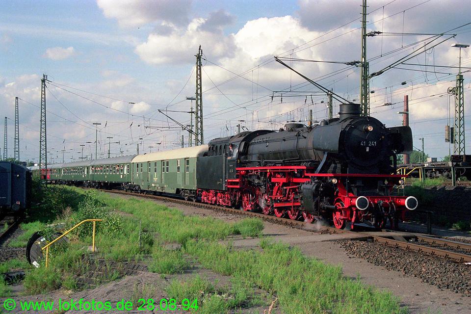 http://www.lokfotos.de/fotos/1994/0828/20403.jpg