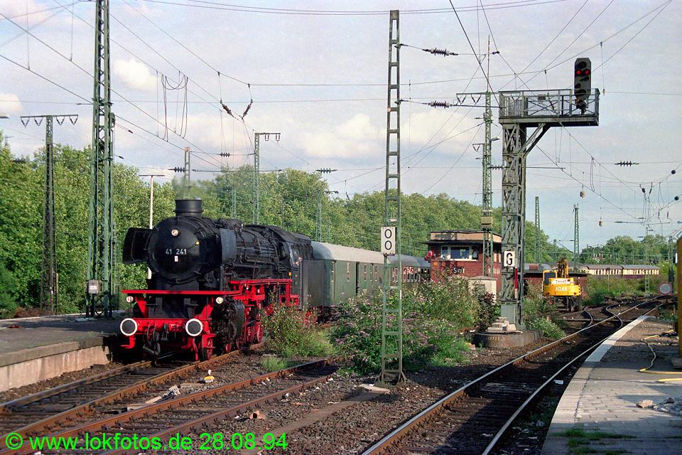 http://www.lokfotos.de/fotos/1994/0828/20405.jpg