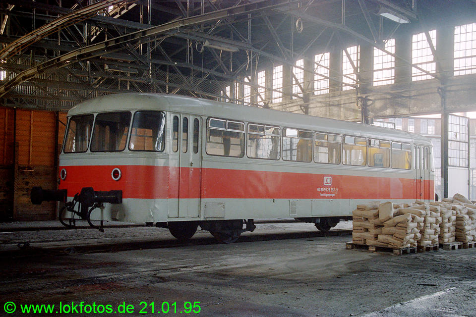 http://www.lokfotos.de/fotos/1995/0121/20942.jpg
