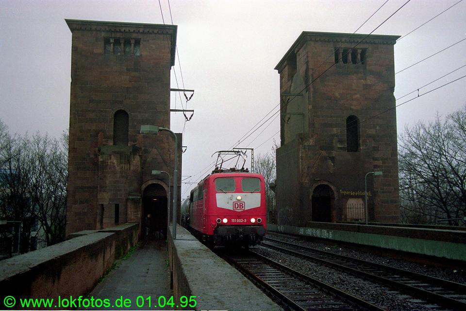http://www.lokfotos.de/fotos/1995/0401/21137.jpg