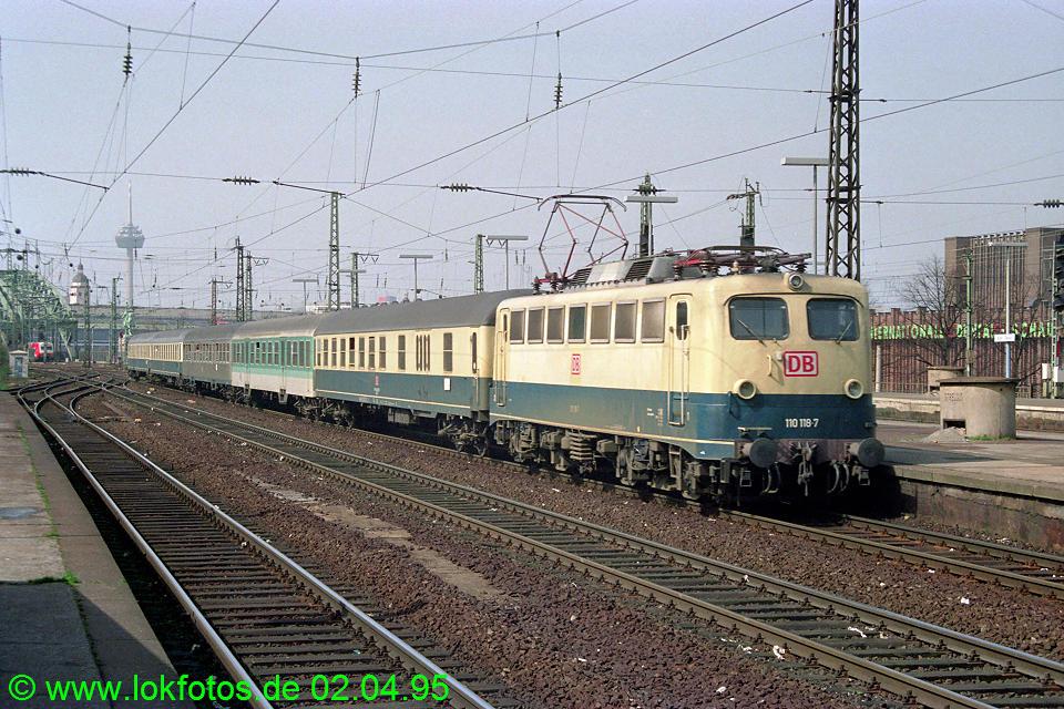 http://www.lokfotos.de/fotos/1995/0402/21142.jpg