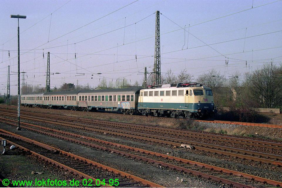 http://www.lokfotos.de/fotos/1995/0402/21167.jpg