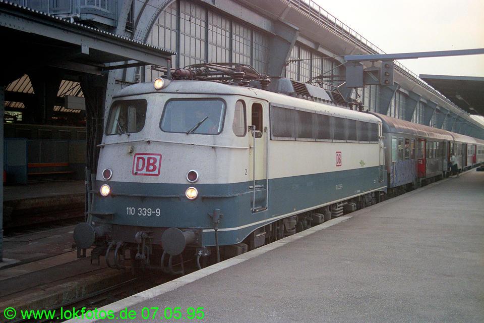 http://www.lokfotos.de/fotos/1995/0507/22092.jpg