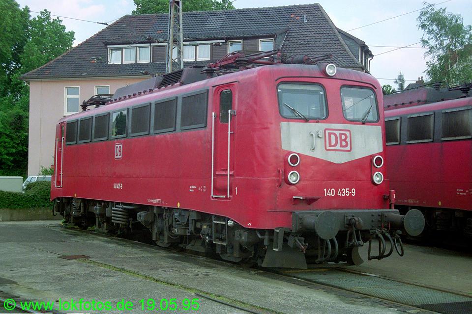 http://www.lokfotos.de/fotos/1995/0519/22180.jpg